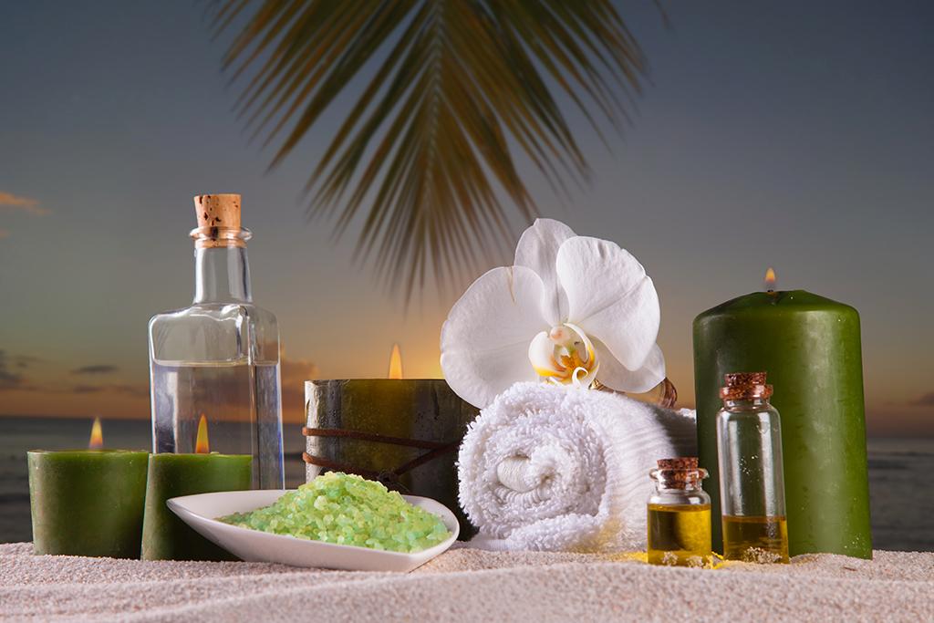 hombres-velas-aromaticas-spa-masajes-mandalay-carta-ducha-brasileña